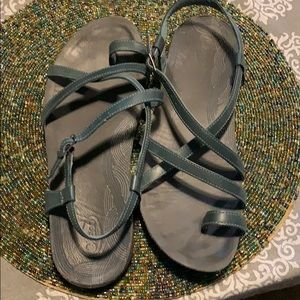 Chaco leather toe strap sandals size 10